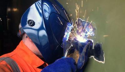 welding the bodyside. photo: Craig Simmons